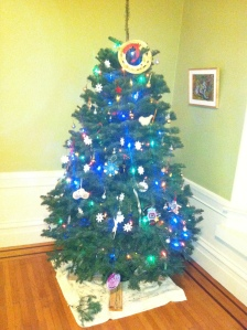The tree at home and decorated
