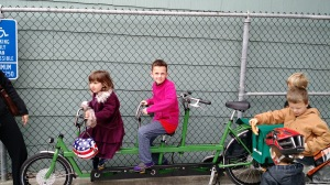 Someone in our neighborhood has an Onderwater triple tandem! And they let my kids sit on it at the farmers' market! It was hauling a trailer. So hardcore!